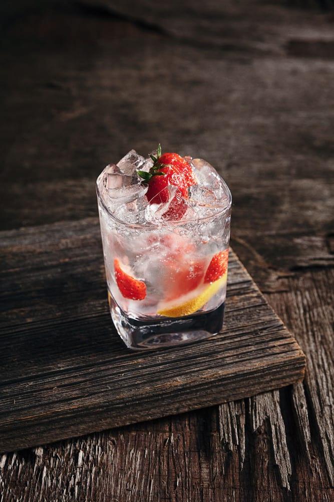 Vodka Soda with Strawberry