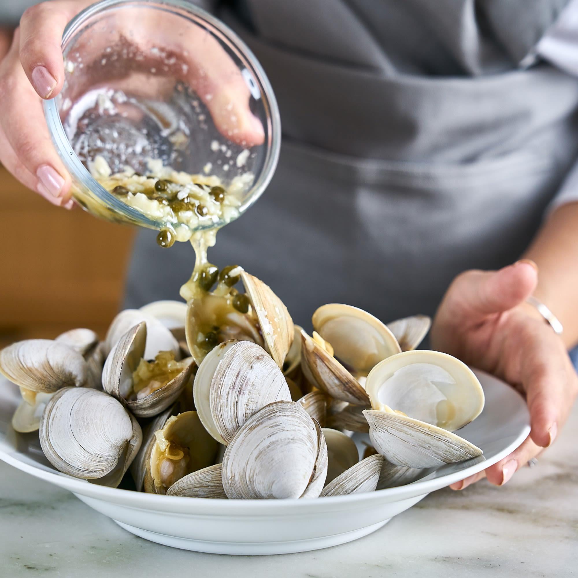 Sauce clams.