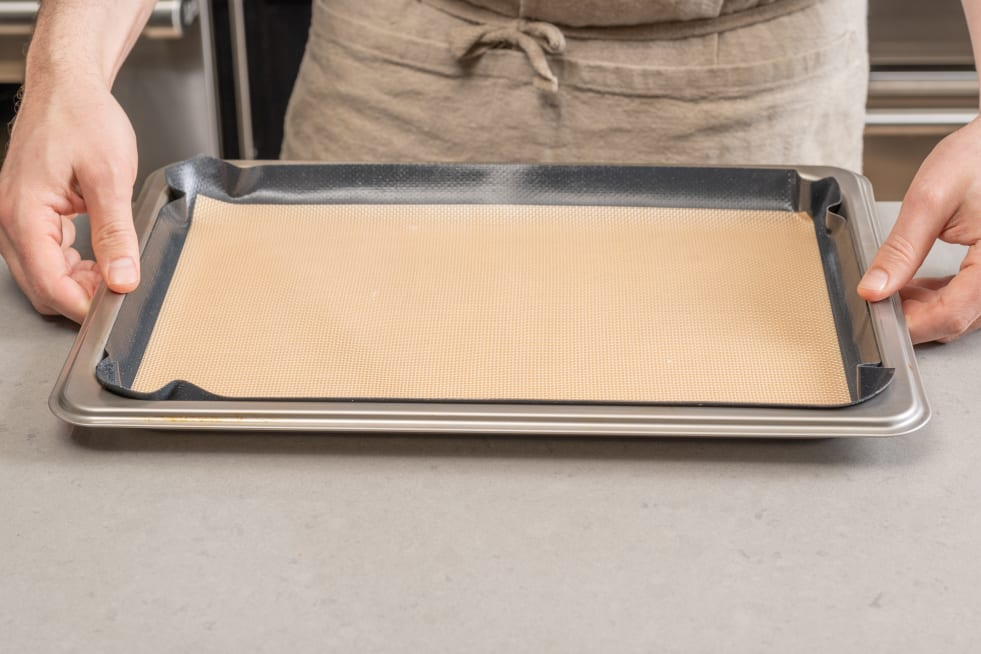 Line sheet pan