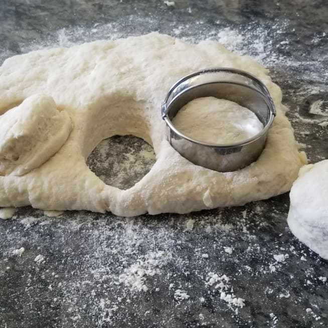 Cut Dough Into Circles
