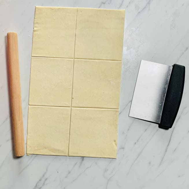 Divide puff pastry