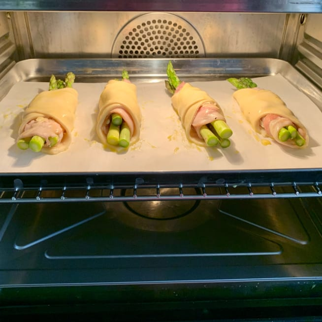 Bake Asparagus Bundles in Oven