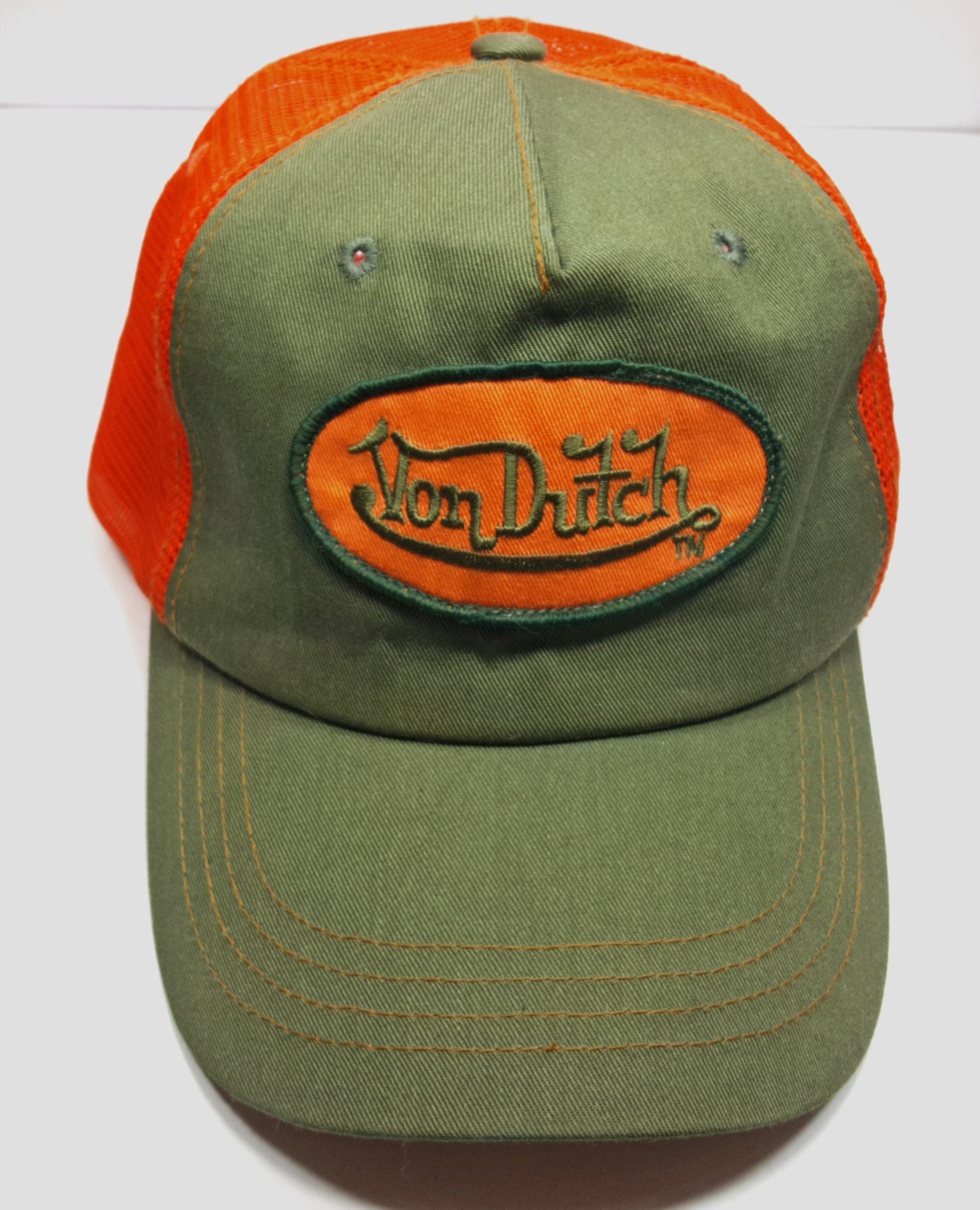 Listed for sale is this vintage 1990 s Von Dutch brand snapback mesh  trucker hat with spell out patch in orange and green. KUSTOM MADE VON DUTCH  ORIGINALS ... 2ff5806895a