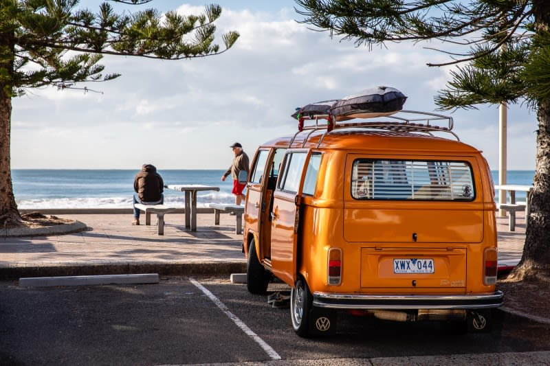 Auto na Australském pobřeží