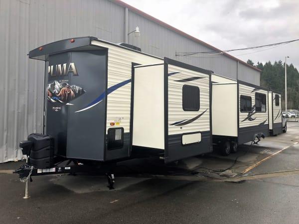 2018 Puma 39-PQB 39' in Covington, WA : Exterior Front