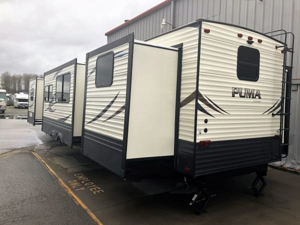 2018 Puma 39-PQB 39' in Covington, WA : Exterior Rear