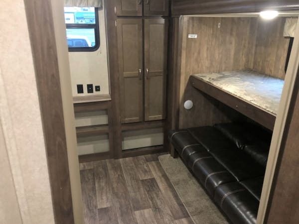 2018 Puma 39-PQB 39' in Kent, WA : Rear Bedroom