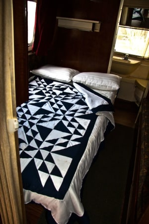1970 Airstream Overlander 27' in Phoenix, AZ : Rear Double Bed