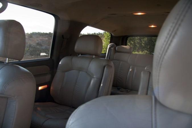 2004 Chevy Suburban 10' in Phoenix, AZ : Inside 2001 Suburban