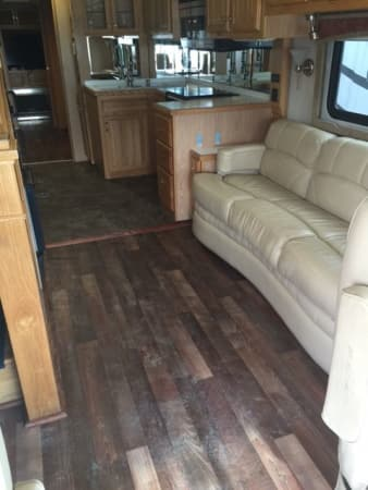 2006 Airstream Skydeck 40' in Hutto, TX : Skydeck