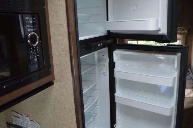2019 Thor FourWinds 22E 22' in Portland, OR : 2019 Thor FourWinds 22E 2 door refrig/freezer