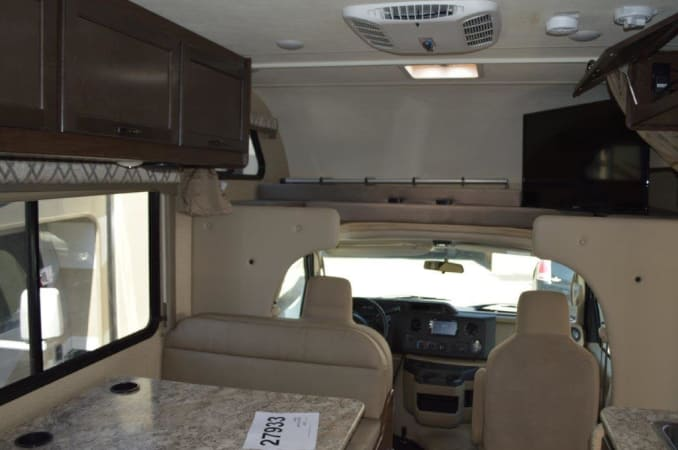 2019 Thor FourWinds 22E 22' in Portland, OR : 2019 Thor FourWinds 22E dash