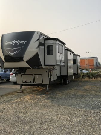 2018 Forest River Sandpiper 42' in Covington, WA : Exterior Drivers Side