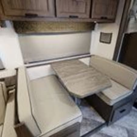 2022 Forest River Sunseeker 2550 DSLE 25' in Portland, OR : 2022