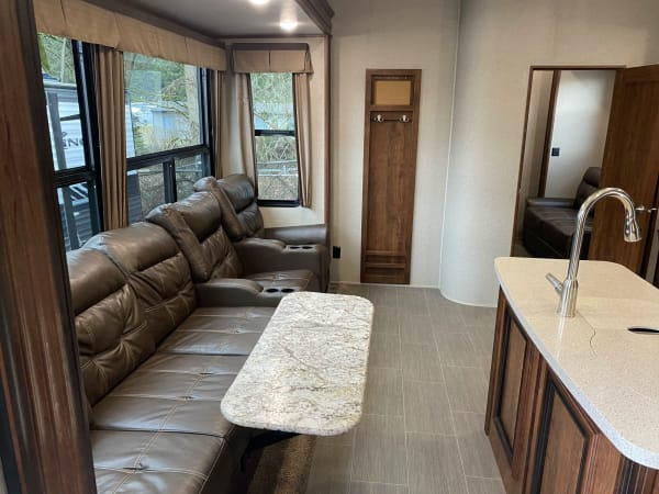 2019 Thor Avalanche 396 bh 40' in Covington, WA : IMG_4999.jpg