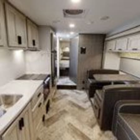 2022 Forest River Sunseeker 2850SLE 31' in Portland, OR : 2022