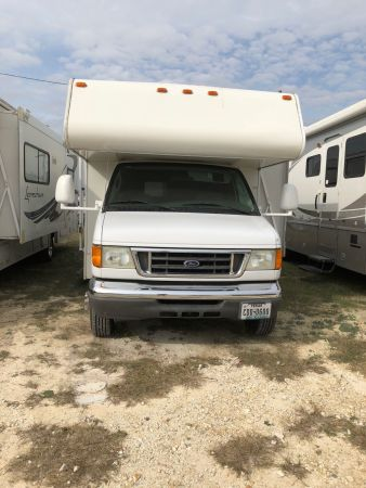 2006 Coachmen Freelander 31' in Hutto, TX : freelander