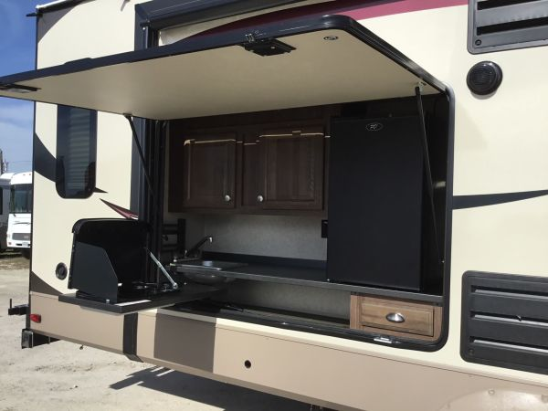 2018 Forest River Rockwood 3 31' in Hutto, TX : Rockwood3
