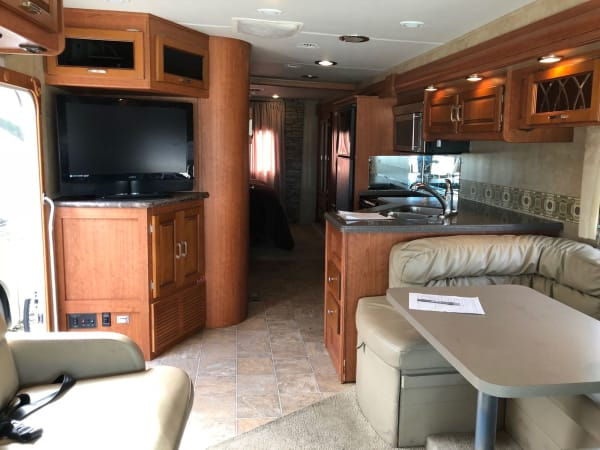 2011 Forest River Georgetown 1 34' in Hutto, TX
