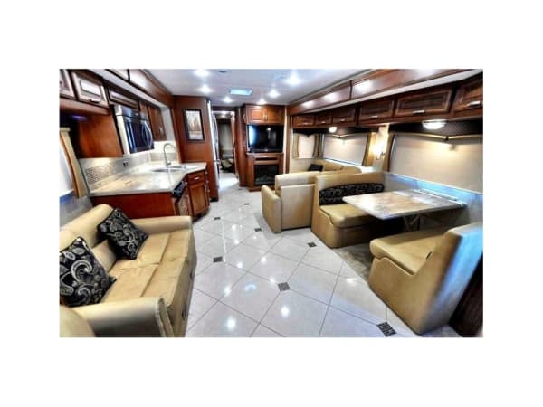 2016 Forest River Berkshire XL 40' in Hutto, TX