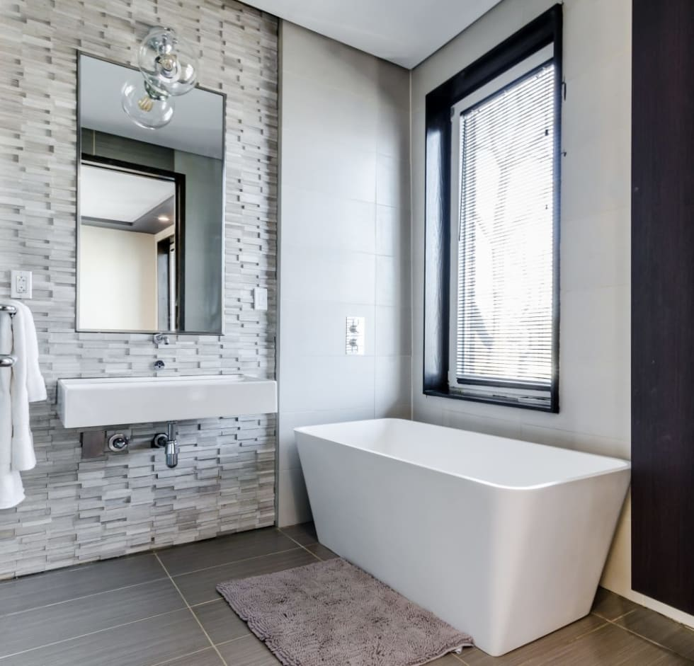 7 Tips To Make A Small Bathroom Look Bigger