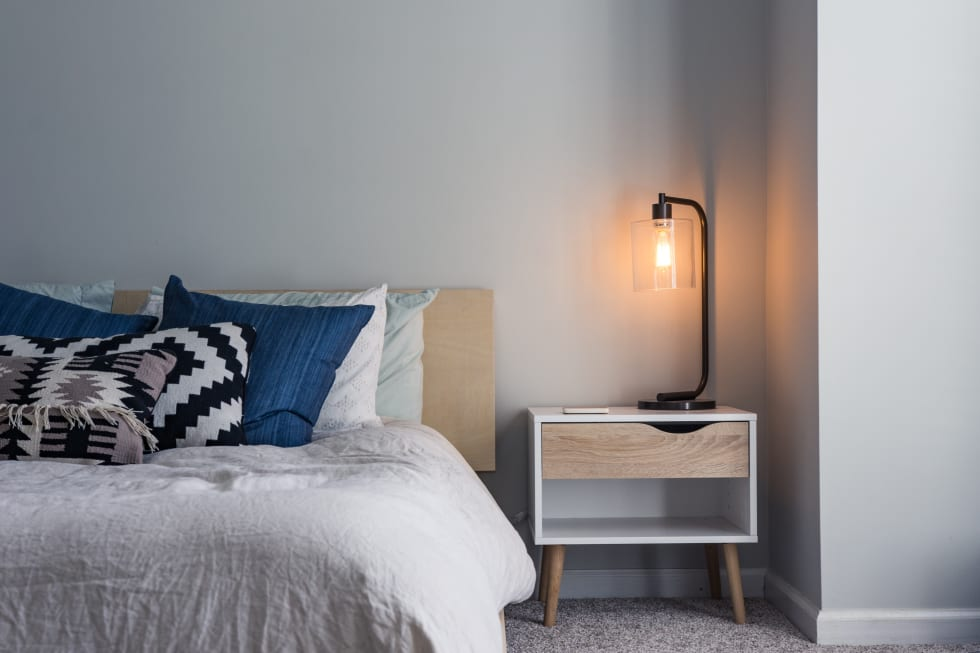 14 Ways To Make A Small Bedroom Look Bigger Renter Life