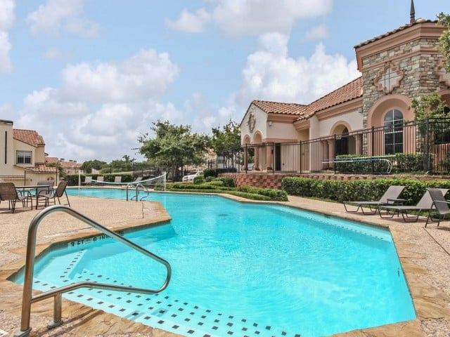Oxford at Sonterra - Oxford at Sonterra Apartments in San Antonio, Texas offers spacious one, two, and three bedroom apartment homes