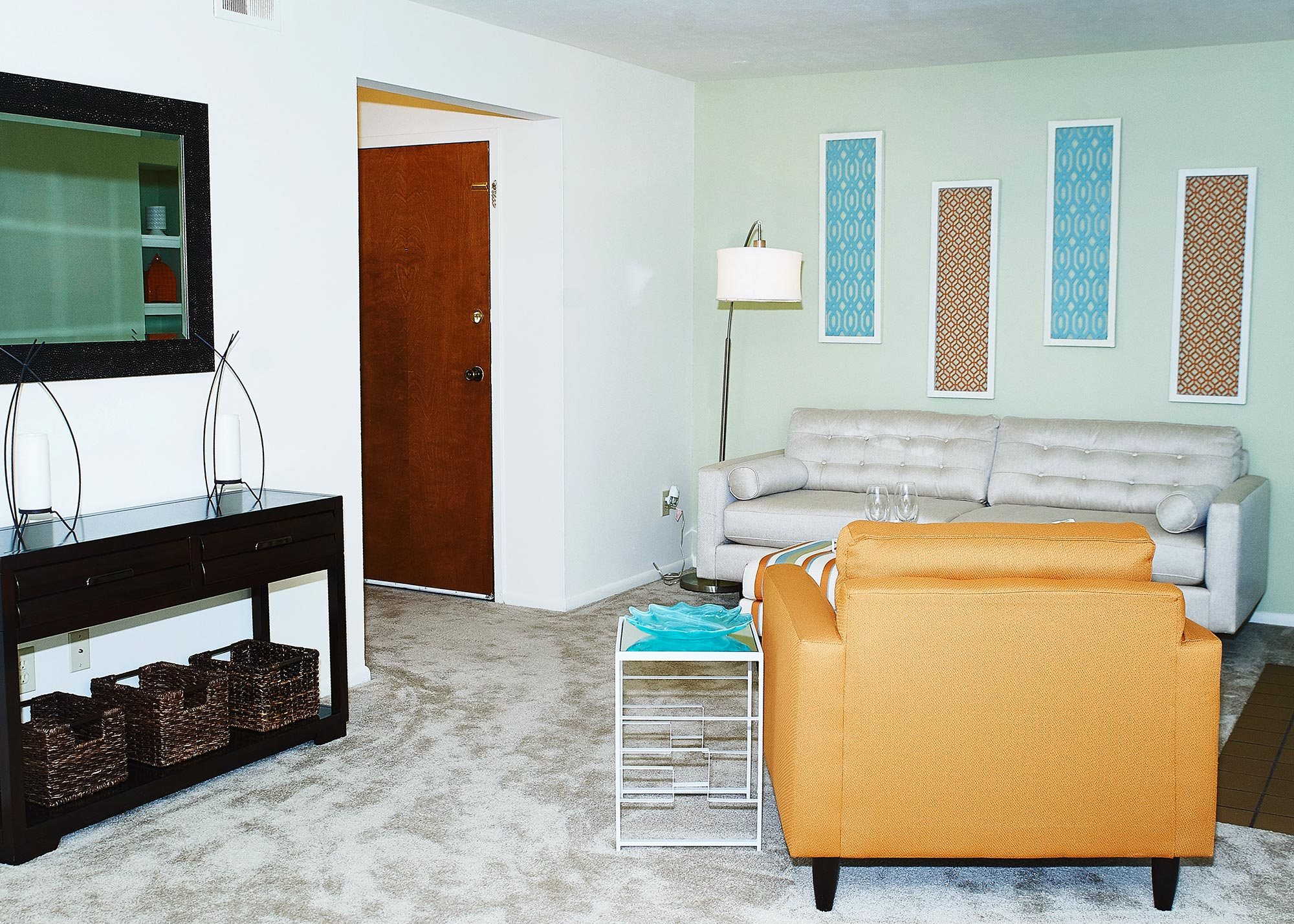 Woodbridge Ft. Wayne II - Escape the hustle of the city and enter the tranquility of Woodbridge Apartments, boasting beautifully landscaped ground, and active amenities