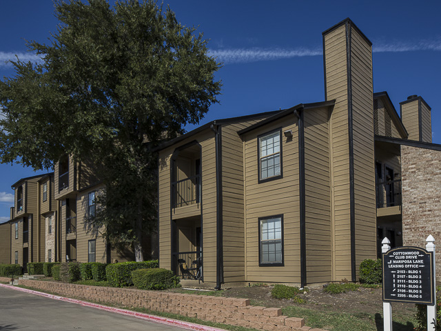 Monterra Pointe Apartment Homes - Here at Monterra Pointe Apartments, we strive to make sure that you experience superior customer service in style in the heart of the Dallas/Fort Worth metroplex