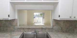 2725 W Okeechobee Rd Photo Gallery 1
