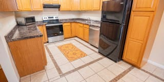 300 Tradewinds Dr #7 Photo Gallery 1
