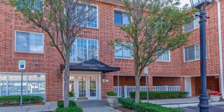 444 S CHESTER ST APT 425 Photo Gallery 1