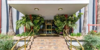 4915 Tyrone Ave  #105 Photo Gallery 1