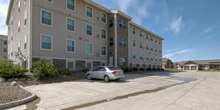 Eagle Point Apartments Photo Gallery 1