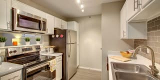 Spring Parc Apartment Homes Photo Gallery 1