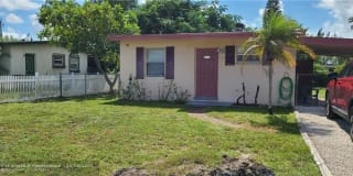 1758 Lauderdale Manor Dr Photo Gallery 1
