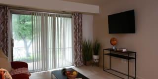 Woodridge Apartments Photo Gallery 1