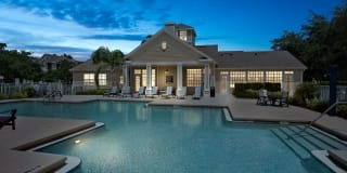 Lake House Apartments Photo Gallery 1