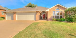 1103 Parkview Circle Photo Gallery 1