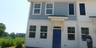 164 Valley Creek Dr Photo Gallery 1
