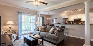 Oakmonte Apartments Photo Gallery 1