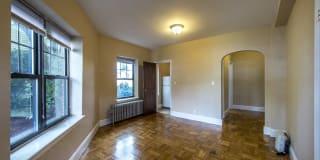 Elmwood Apartments Photo Gallery 1