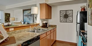 Viewpoint Apartment Homes Photo Gallery 1