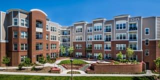 Radiant Fairfax Ridge Apartments Photo Gallery 1