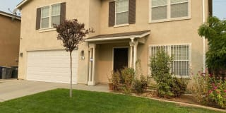 1187 Crescent Dr Photo Gallery 1