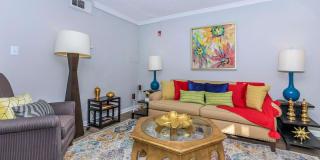 Kingston Pointe Apartments Photo Gallery 1