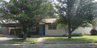 1006 NW 9th St Photo Gallery 1