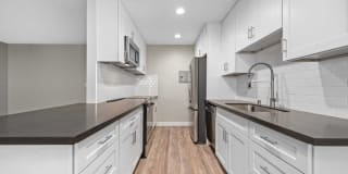 Los Robles Apartments Photo Gallery 1