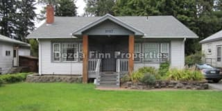 1017 East 29th Avenue Photo Gallery 1