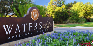 Waters Edge Apartment Homes Photo Gallery 1